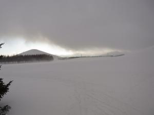 吹雪前のモエレ山