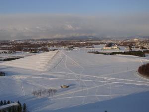 プレイマウンテンと雪雲 当別方面に雪が降っている.