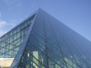 南西側のガラスの面