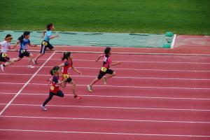 小4女子100m予選