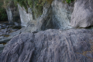 番場浦の安山岩